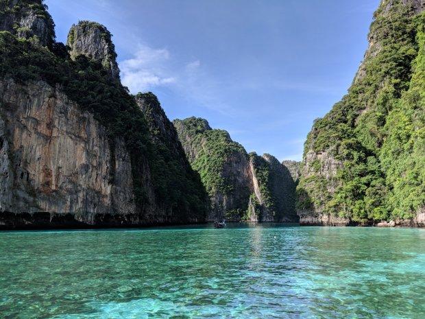 Pileh Bay, Phi Phi Island